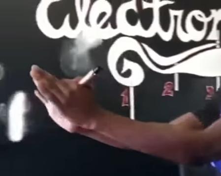 How to Vaping Air Bending Trick?